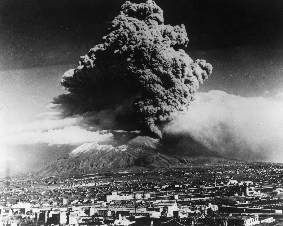 Eruzione Vesuvio: scoppia la paura per il vulcano dopo la scossa magnitudo 4.9 in Campania
