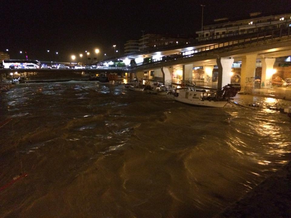 Alluvione Pescara: la città abruzzese è sommersa, ecco le incredibili FOTO