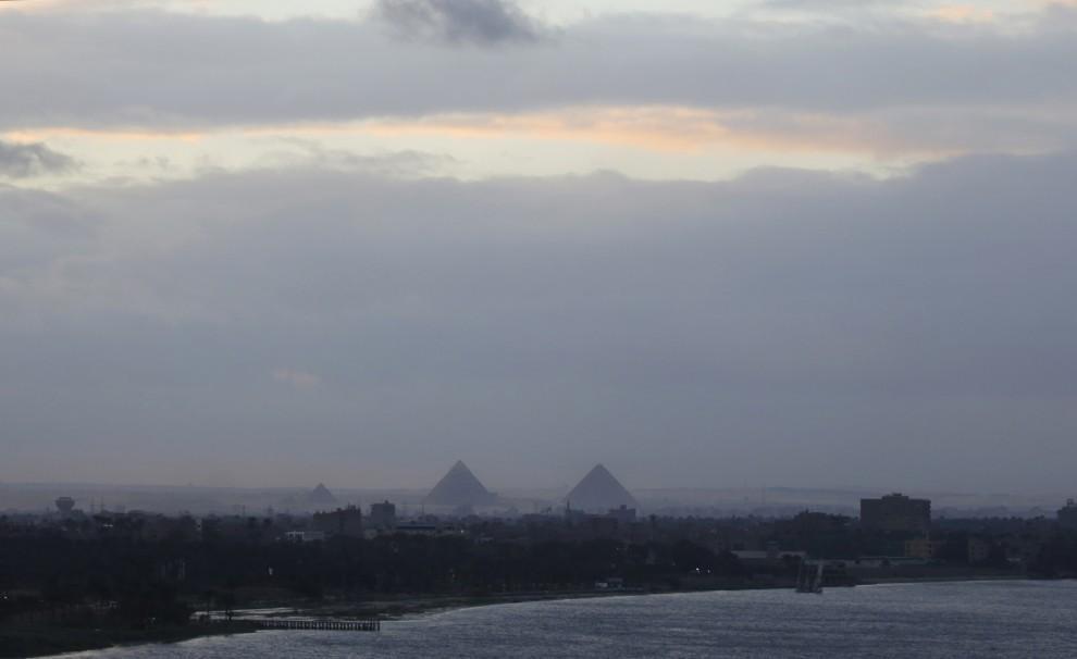 Neve nella piana di Giza - Foto strepitosa