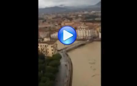 Toscana : arno in piena a Pisa
