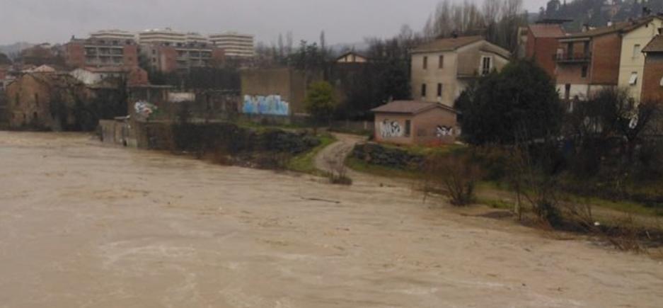 Maltempo intenso in Umbria, ecco il livello del Tevere - Fonte : http://www.umbria24.it