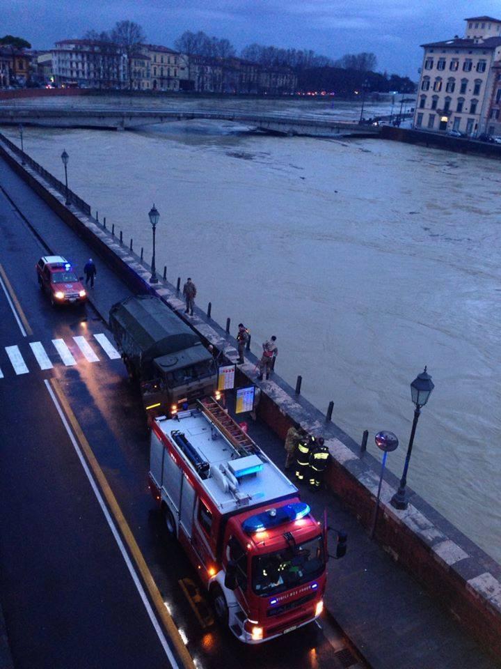 Maltempo: rischio alluvione in Toscana, a Pisa l'Arno fa paura in queste ore