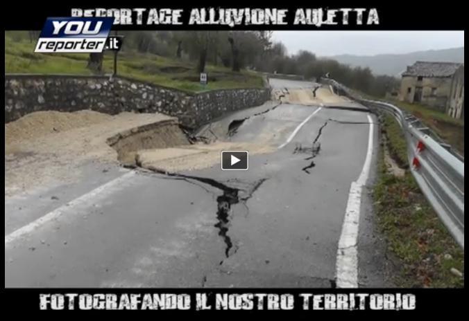"""Frana in Campania, strada """"accartocciata"""", ecco le incredibili immagini"""