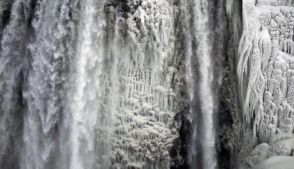 Cascate del Niagara congelate per le basse temperature - Fonte Repubblica
