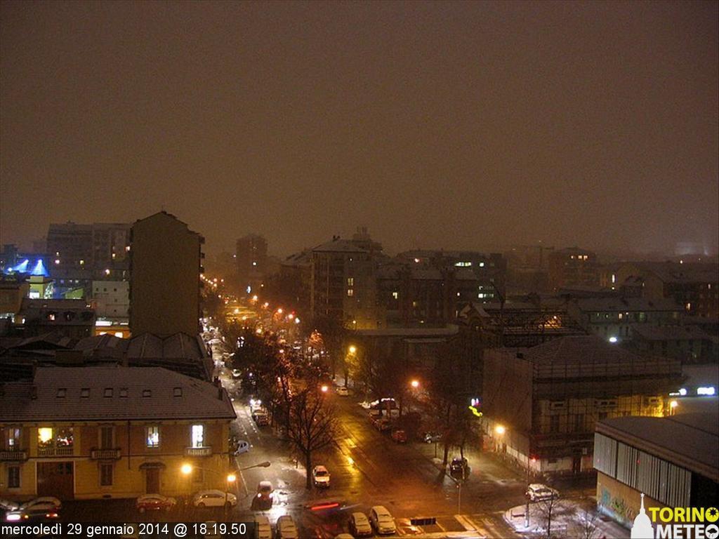 Velo bianco su Torino. Neve fino a domani