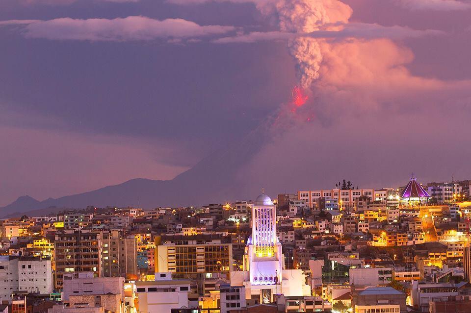 Ecuador, eruzione del vulcano Tungurahua in atto