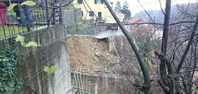 Maltempo Liguria: disastrosa frana colpisce il genovese, ha ceduto una strada