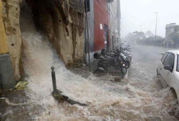 Allerta meteo Liguria, Toscana, Veneto, Friuli: precipitazioni intense in arrivo domani 10 Febbraio