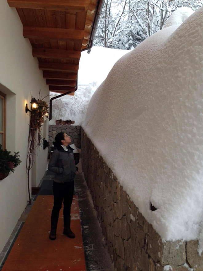 Cortina d'Ampezzo sommersa dalla neve