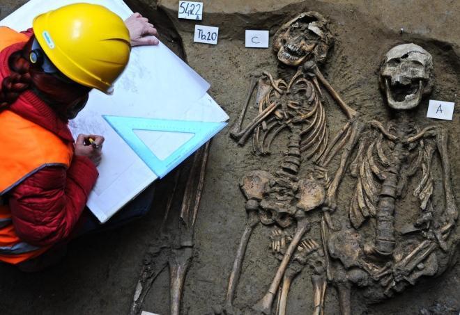 Immagini del Cimitero rinvenuto a Firenze