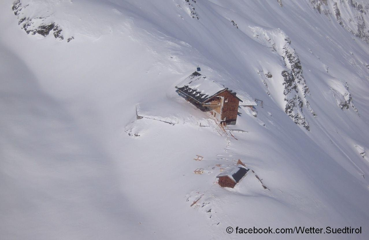 Allarme valanghe: una slavina ha travolto una casa-rifugio in Alto Adige