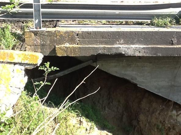 Frana sulla Via Pontina, a Sabaudia: smottamento di un argine
