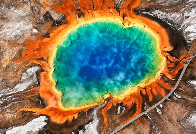 Intenso terremoto scuote l'area del Super Vulcano di Yellowstone, sequenza sismica in atto