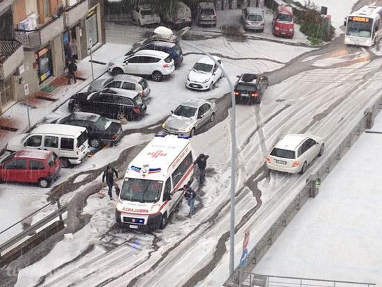 Eccezionale tempesta di grandine nel Lazio, a Viterbo - 4 Aprile 2014