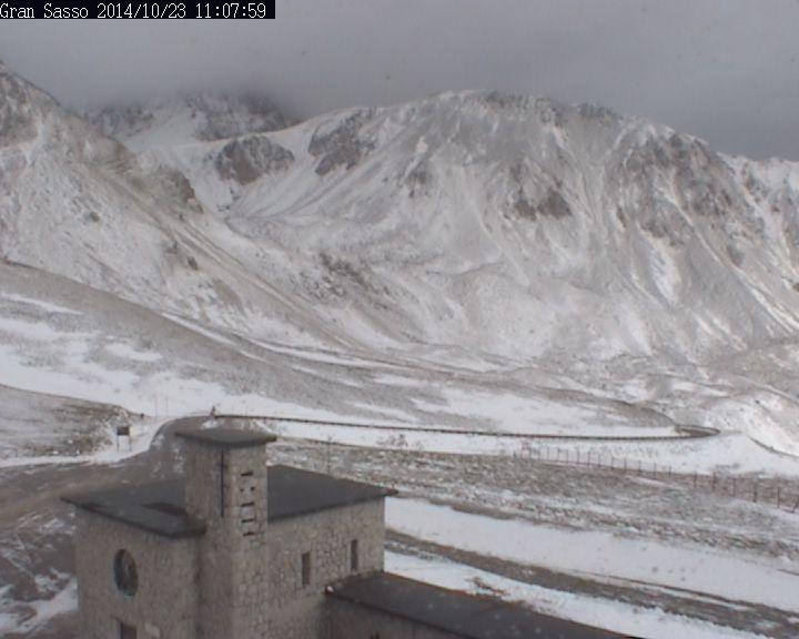 Nuove forti nevicati sull'Appennino. Campo Imperatore
