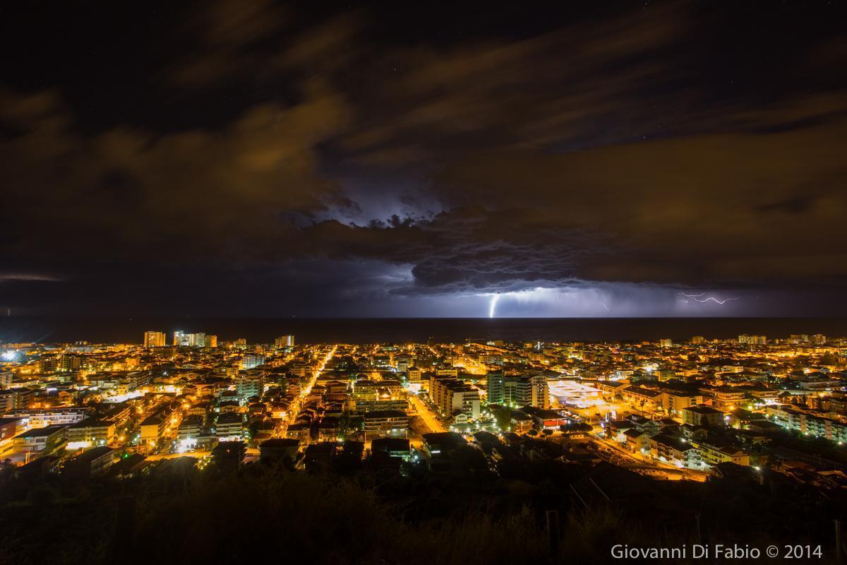 Notte di temporali in Adriatico: foto di Giovanni di Fabio