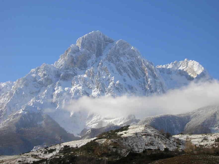 Valanga sul Gran Sasso: la tragica notizia di due vittime