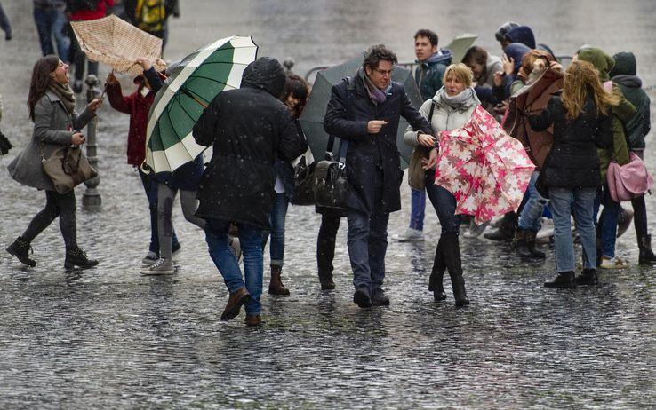 Previsione meteo oggi: maltempo e piogge diffuse