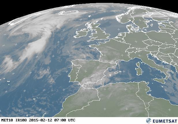 Previsioni meteo oggi: stabile ma con molte nubi