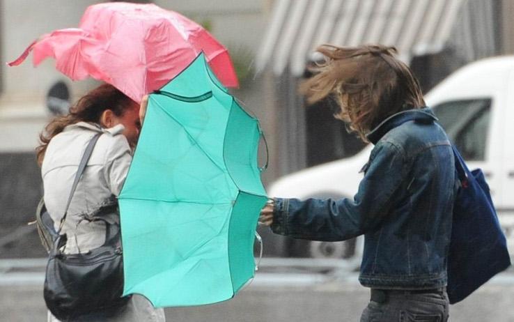 Previsioni meteo oggi: maltempo diffuso