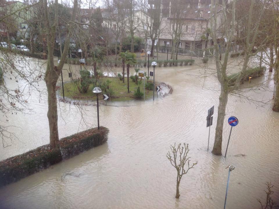 Ultim 39 ora pesante alluvione in romagna strade e case - Meteo bagno di romagna ...
