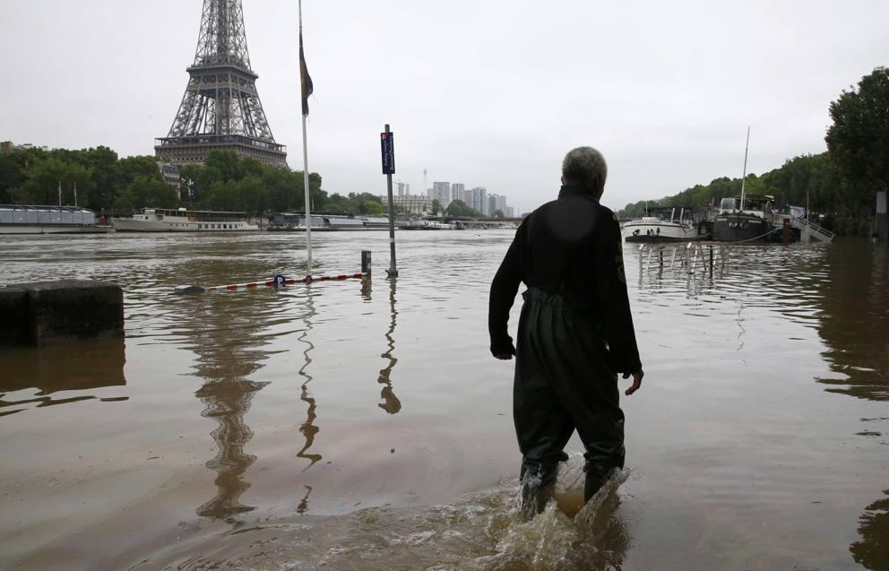 Maltempo e inondazioni in Francia, un morto: è catastrofe naturale