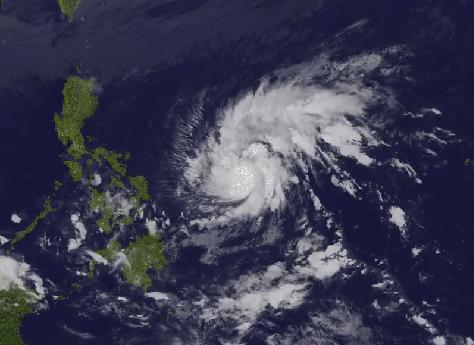 Filippine, in arrivo il super tifone di Natale: migliaia di persone evacuate