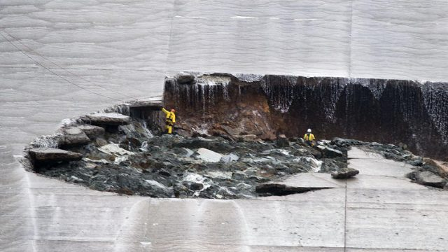 California, diga a rischio: evacuate 180 mila persone