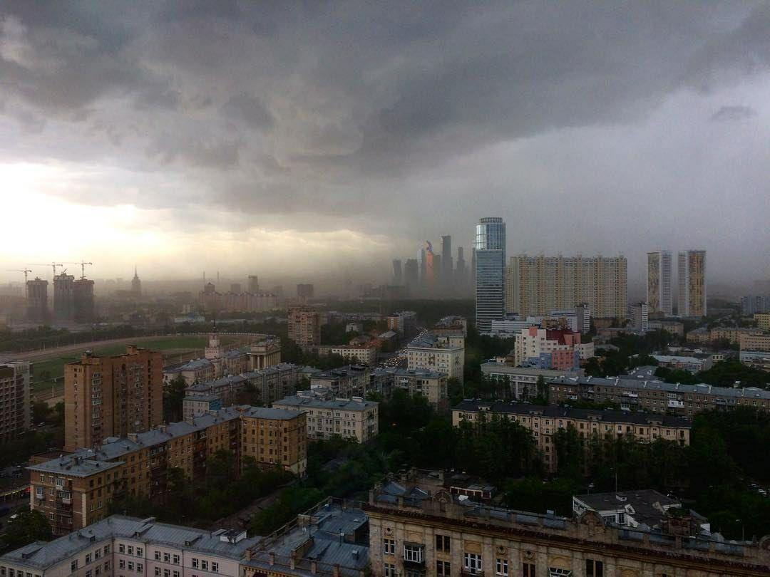 Russia, uragano si abbatte su Mosca, morte 11 persone