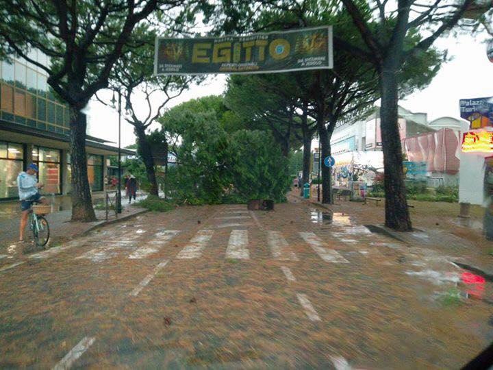 Maltempo: temporali al Nord. Giovedì allerta arancione su Lombardia e Veneto
