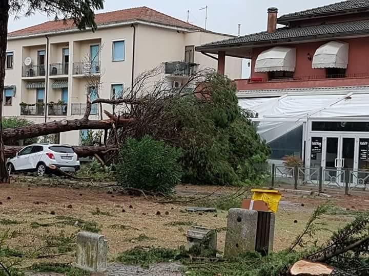 Maltempo in Veneto e Friuli: tromba d'aria, tre feriti gravi