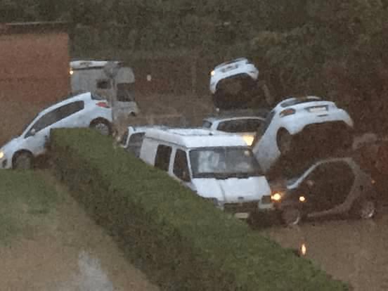 Sei persone sono morte per le forti piogge a Livorno