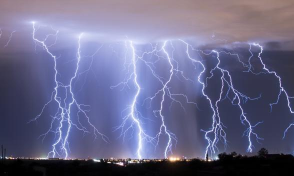 Roma, allerta meteo per il weekend: temporali e raffiche di vento