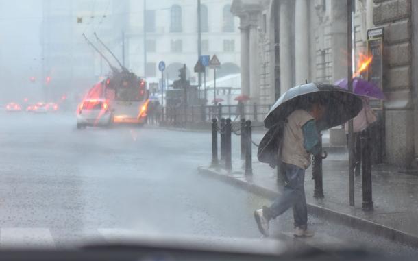 Previsioni meteo domani: insiste il maltempo, attesi nuovi temporali