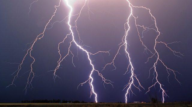 Previsioni meteo: oggi maltempo, domani ancora temporali