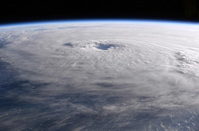 Uragano Maria visto dalla stazione spaziale internazionale (ISS)