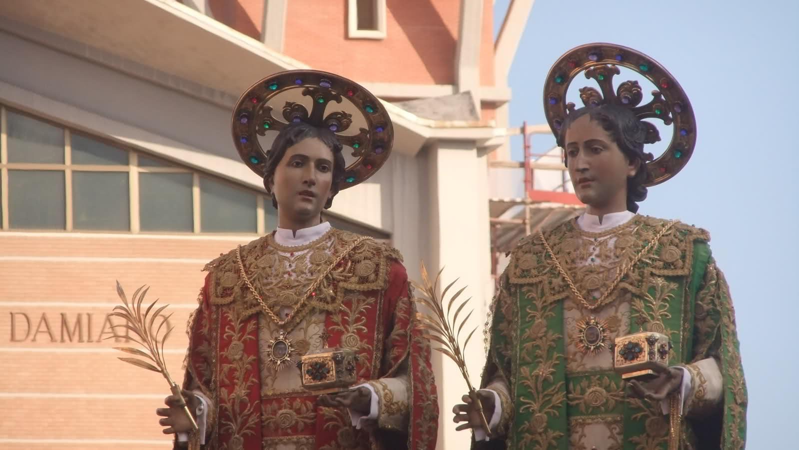 Santi Medici Cosma e Damiano processione 2017