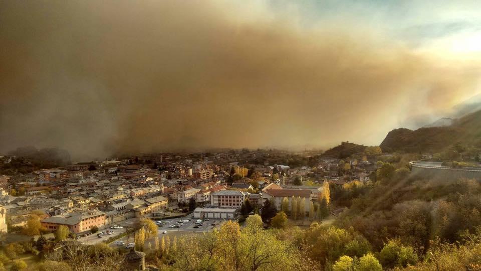 Continuano gli incendi in Val di Susa