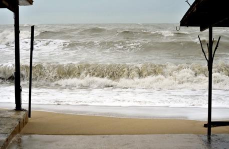 Previsioni meteo oggi: attesi vento, piogge e mareggiate