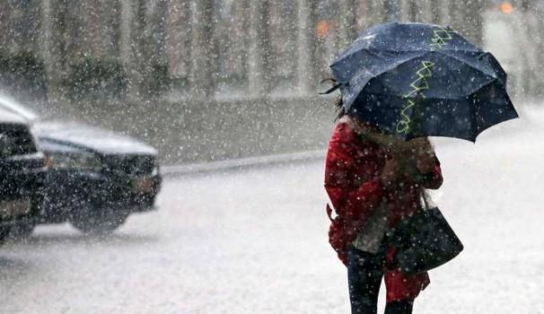 Previsioni meteo oggi: irruzione fredda, peggiora su diverse regioni