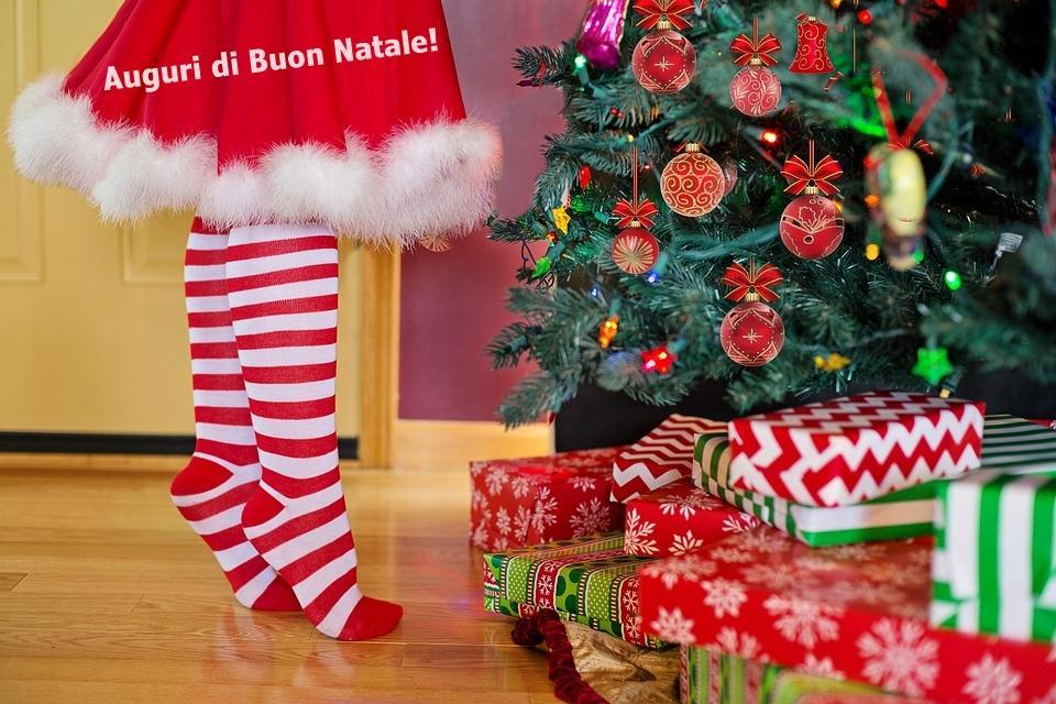 Auguri Di Natale In Dialetto Siciliano.Immagini Di Auguri Di Buon Anno 2018 Ecco Una Serie Di Cartoline E