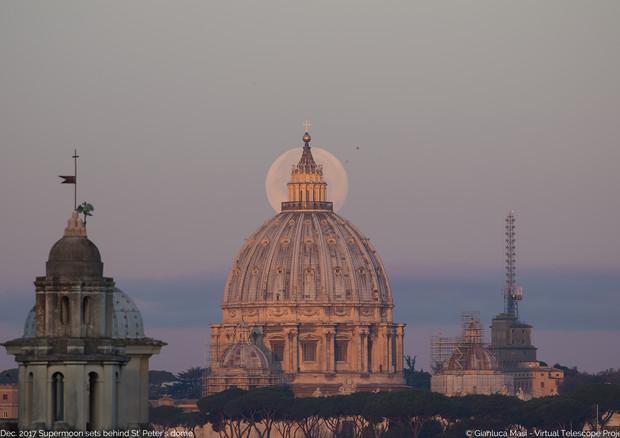 Capodanno con la Superluna, il 2018 sarà all'insegna di un cielo spettacolare
