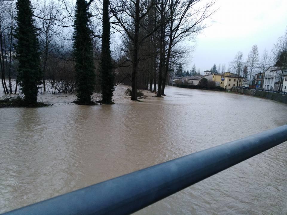 Maltempo: esonda fiume Nera in Umbria