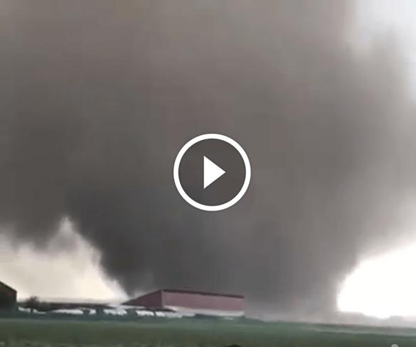 Ultim'ora : enorme tornado in Germania, su Viersen [VIDEO]