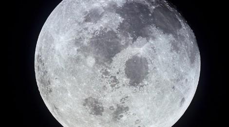 C'è ghiaccio sulla Luna