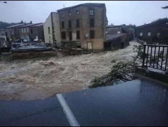 Francia, alluvione nel sud del Paese: almeno 13 morti