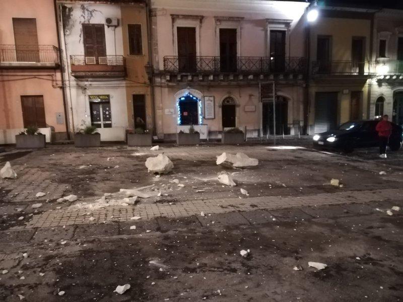 Terremoto in Sicilia, Etna : forte sisma vicino Catania ...
