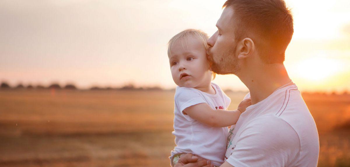 Festa del Papà 2019: immagini e video per gli auguri da inviare su ...