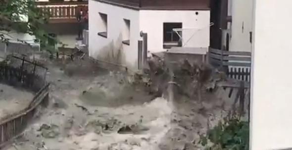 Si scioglie il ghiaccio in quota: in Svizzera alluvione senza pioggia