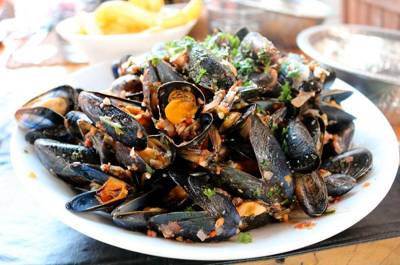 Presenza di biotossine algali, cozze e tris di mare ritirati dal commercio